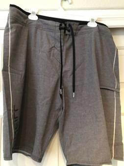 O'NEILL HYPERFREAK BOARD SHORTS SIZE 38 USED AND IN GOOD/CLE