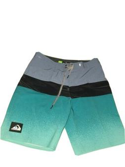 Quicksilver Highline Division  Boardshorts Size 32. NEW WITH